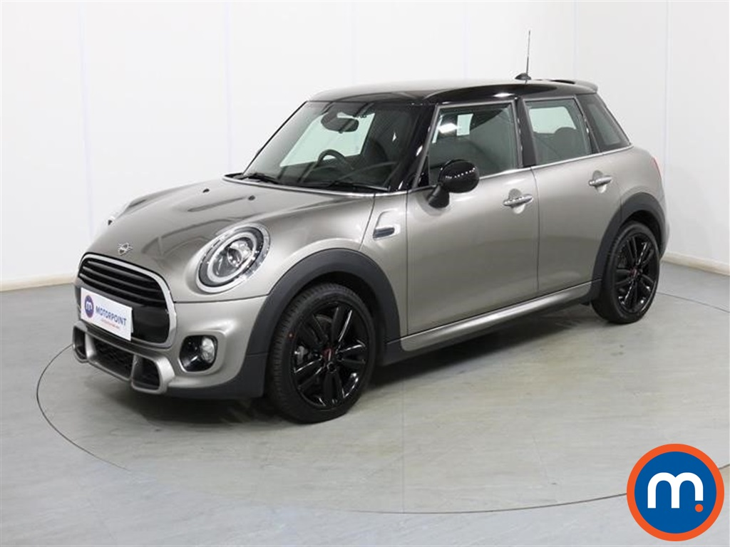 Mini Hatchback Cooper Sport - Stock Number 1100775 Passenger side front corner