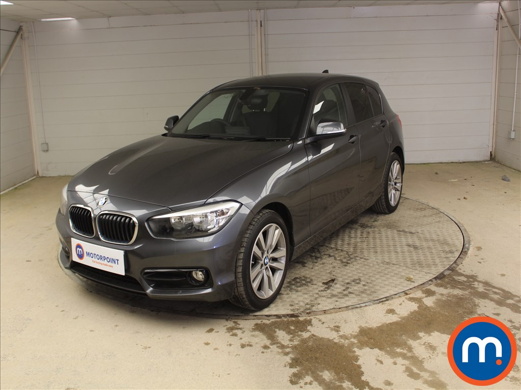 BMW 1 Series Sport - Stock Number 1097936 Passenger side front corner