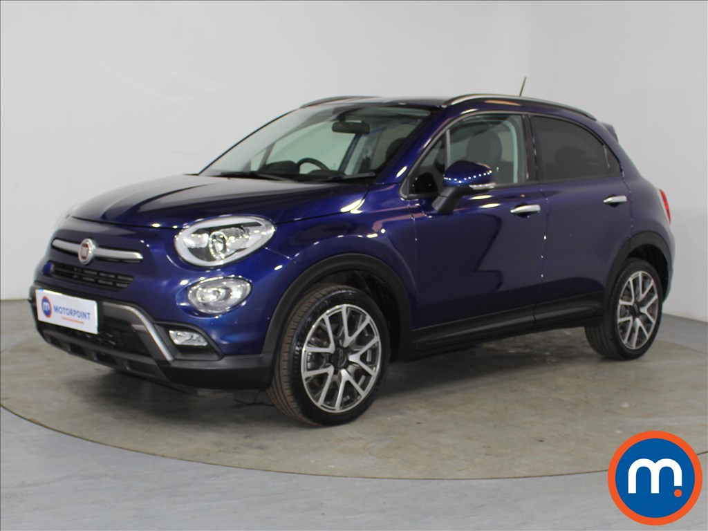 Fiat 500X Cross Plus - Stock Number 1098935 Passenger side front corner