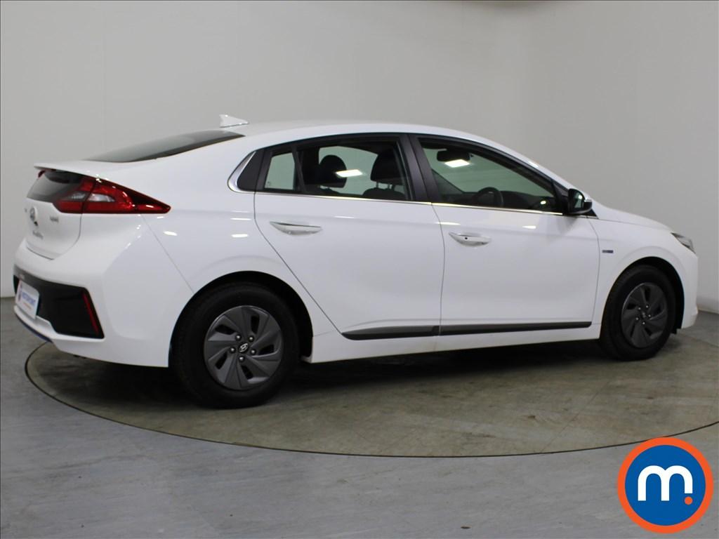 Hyundai Ioniq Premium - Stock Number 1087860 Passenger side front corner