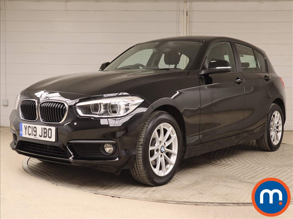 BMW 1 Series SE Business - Stock Number 1104820 Passenger side front corner