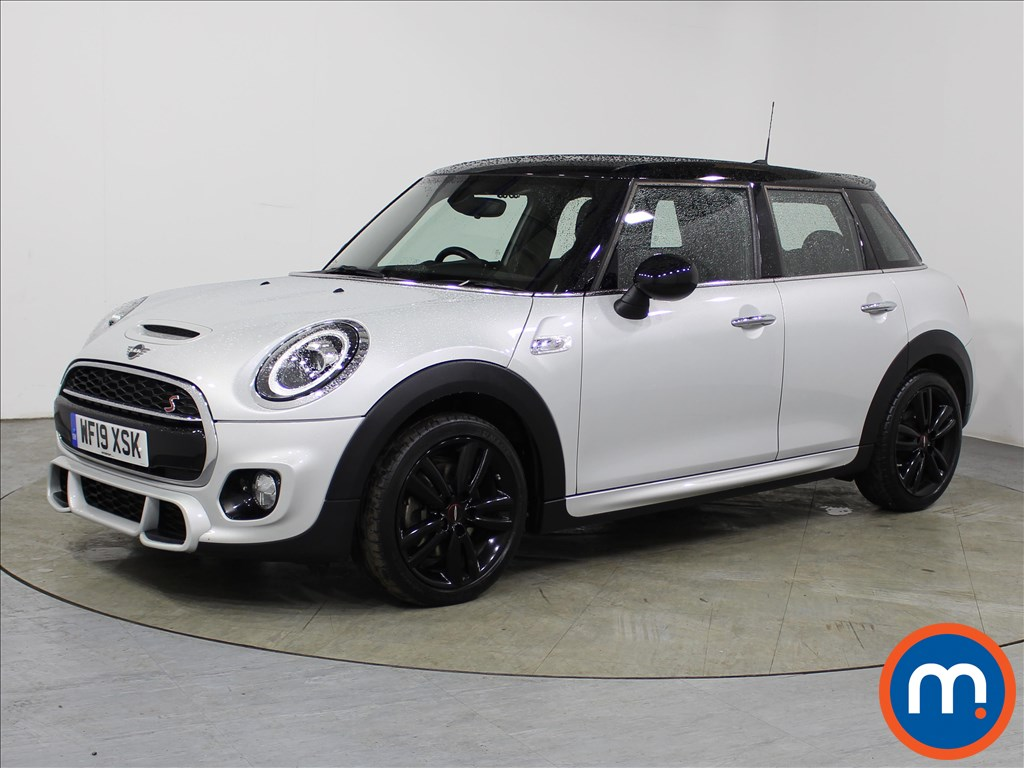 Mini Hatchback Cooper S Sport - Stock Number 1106804 Passenger side front corner