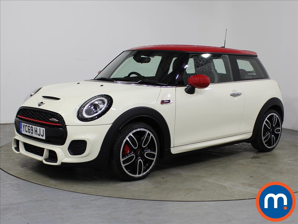 Mini Hatchback John Cooper Works - Stock Number 1107232 Passenger side front corner