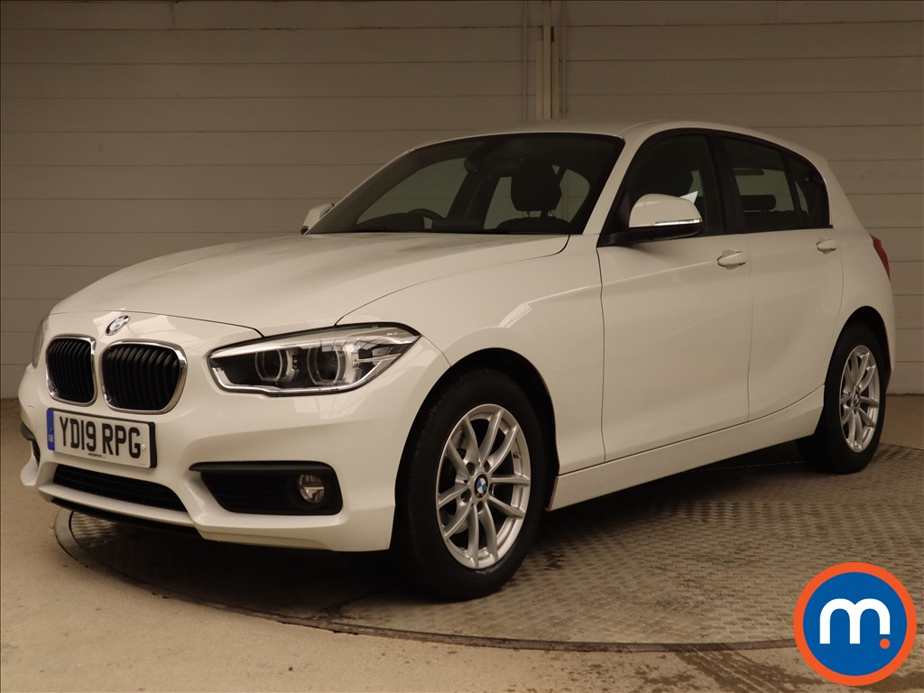 BMW 1 Series SE Business - Stock Number 1104860 Passenger side front corner