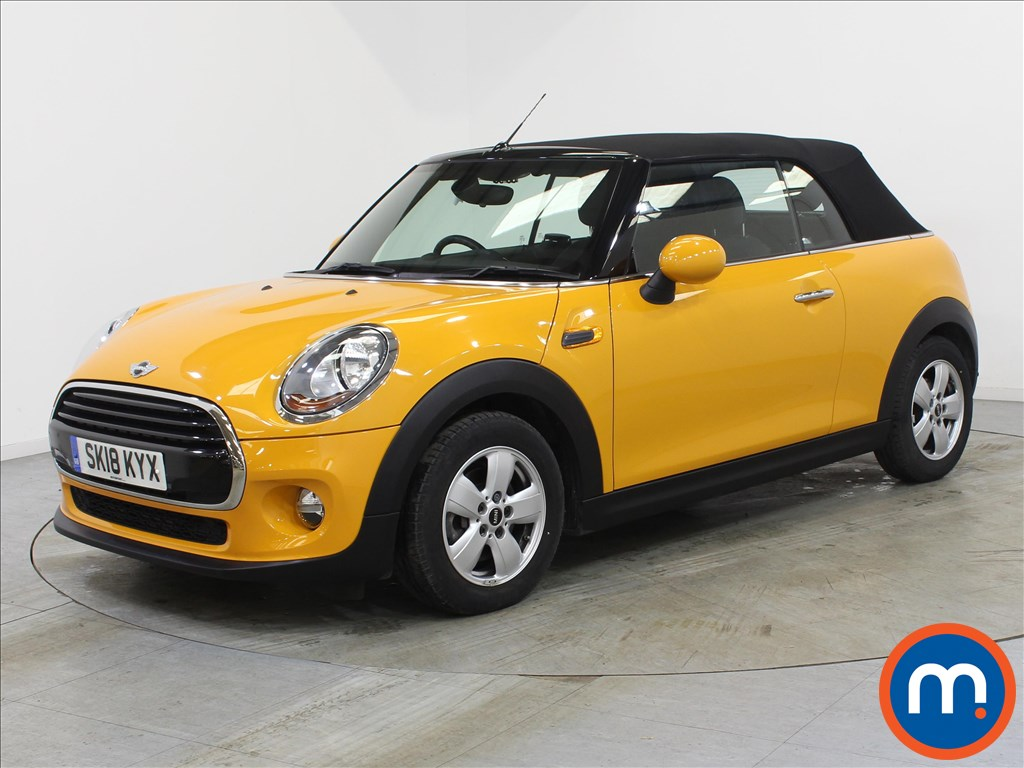 Mini Convertible Cooper - Stock Number 1108410 Passenger side front corner