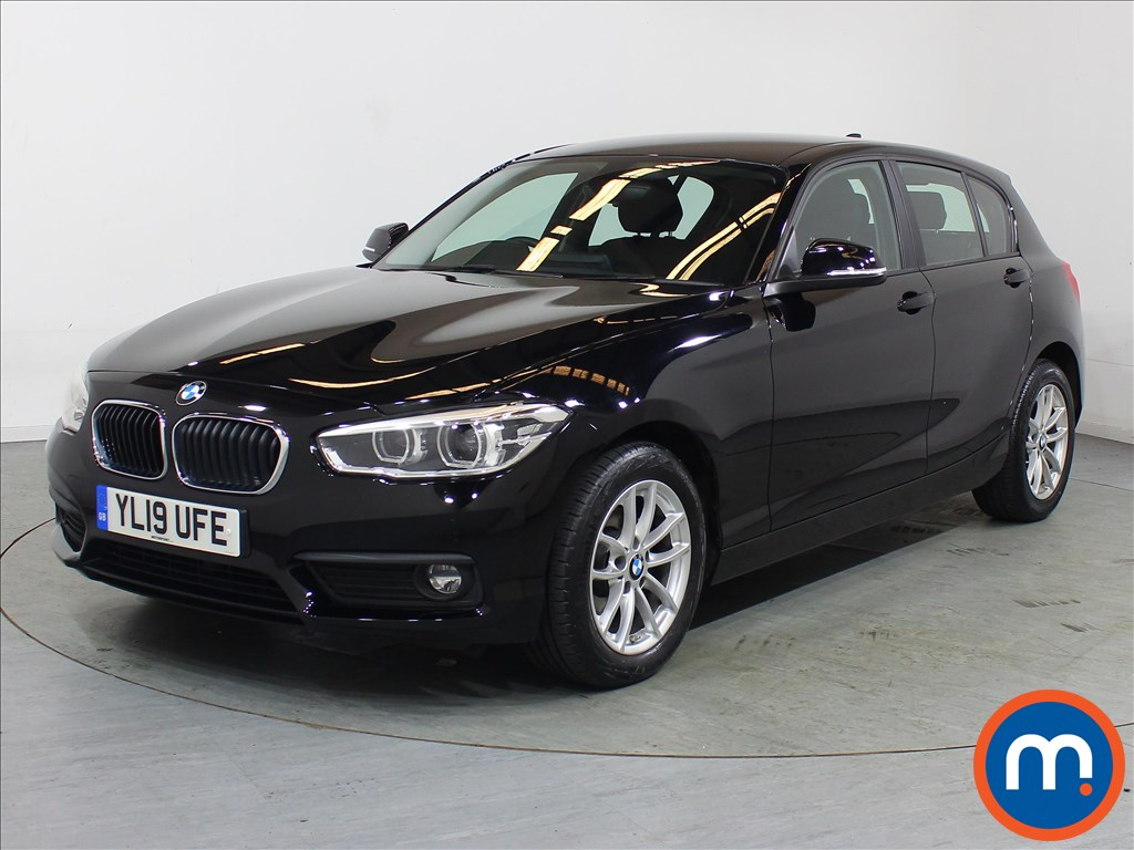 BMW 1 Series SE Business - Stock Number 1106736 Passenger side front corner