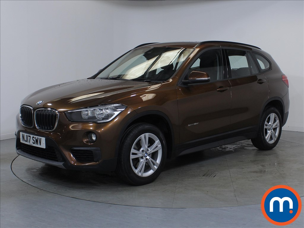 BMW X1 SE - Stock Number 1113120 Passenger side front corner