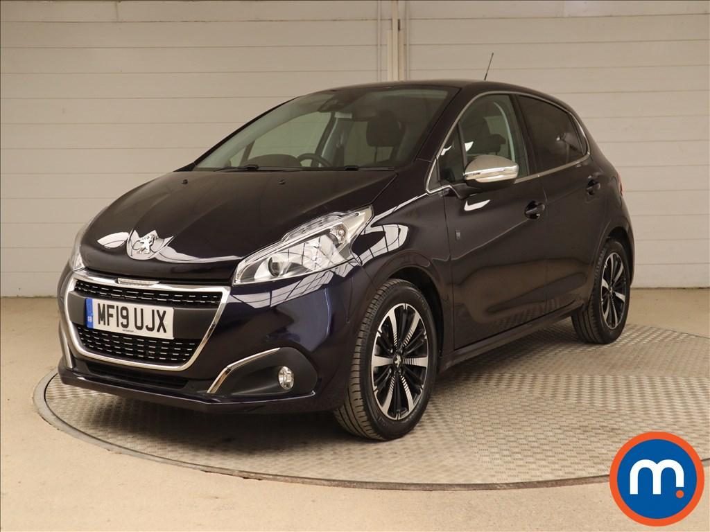 Peugeot 208 Tech Edition - Stock Number 1117995 Passenger side front corner
