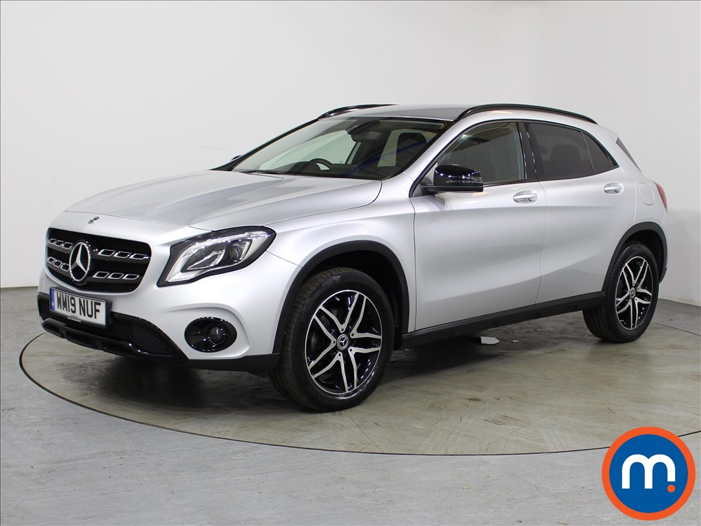 Mercedes-Benz GLA Urban Edition - Stock Number 1117473 Passenger side front corner