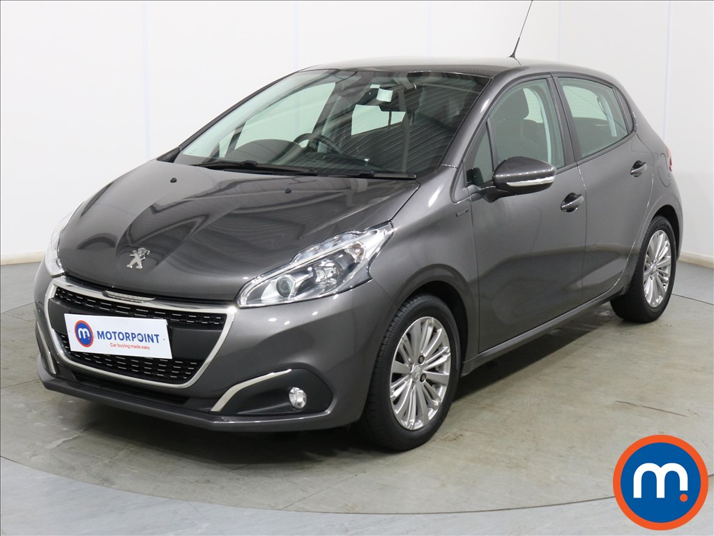 Peugeot 208 Signature - Stock Number 1127485 Passenger side front corner