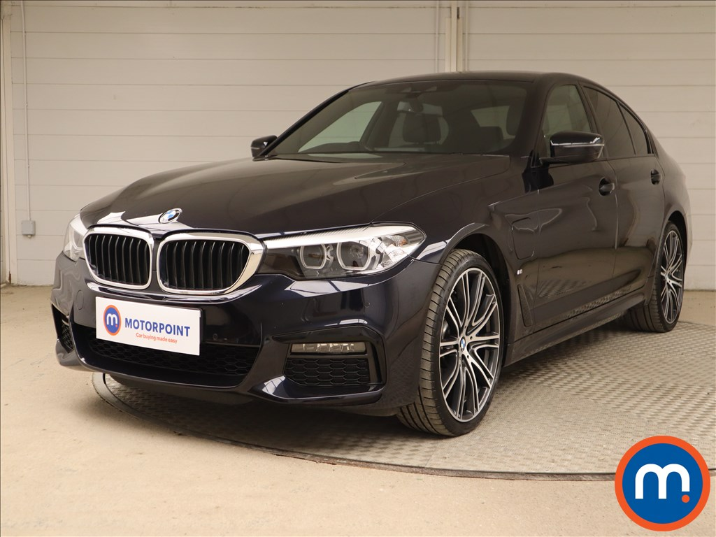 BMW 5 Series 530e xDrive M Sport 4dr Auto [Plus Pack] - Stock Number 1130379 Passenger side front corner