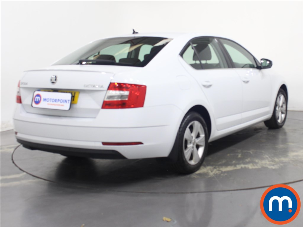Skoda Octavia SE Technology - Stock Number 1134741 Passenger side front corner