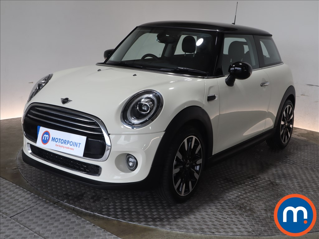 Mini Hatchback Cooper Exclusive - Stock Number 1131435 Passenger side front corner