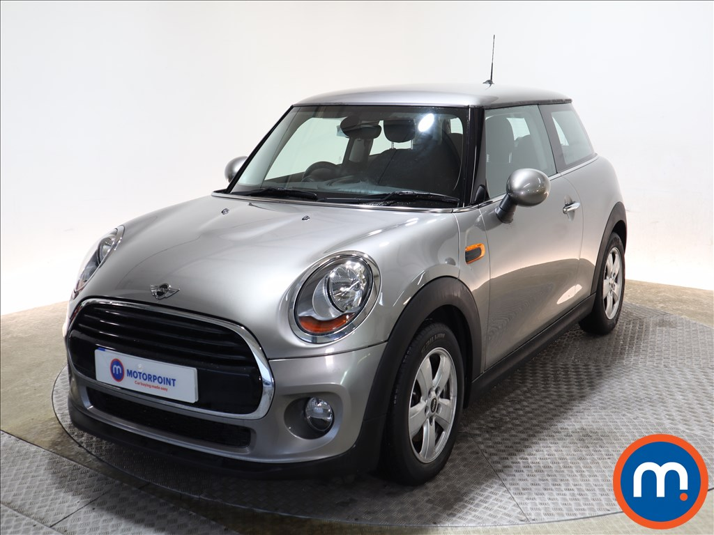 Mini Hatchback Cooper - Stock Number 1132974 Passenger side front corner