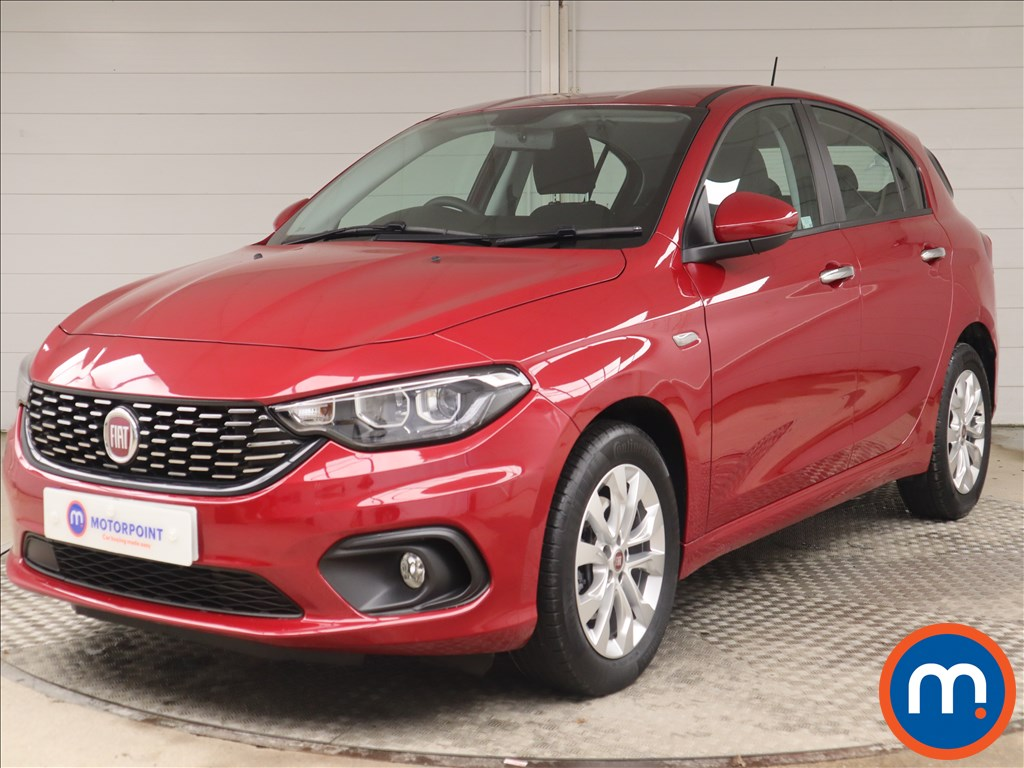 Fiat Tipo Easy Plus - Stock Number 1146589 Passenger side front corner