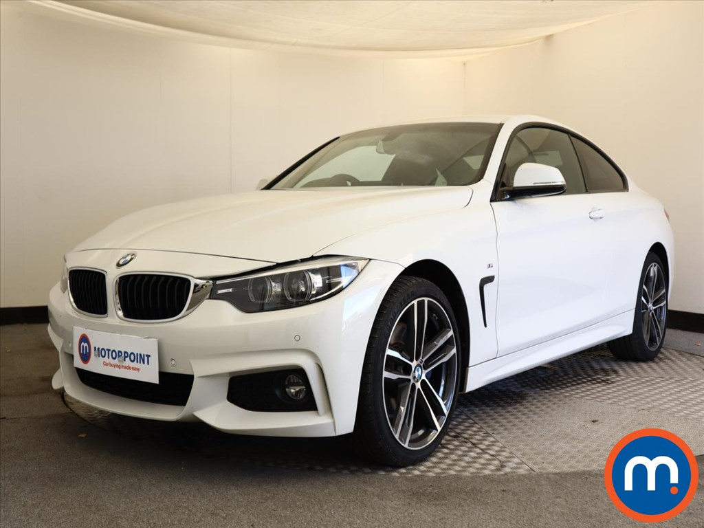 BMW 4 Series 420i xDrive M Sport 2dr Auto [Professional Media] - Stock Number 1149167 Passenger side front corner