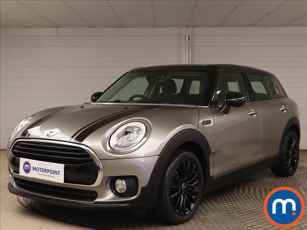 Mini Clubman 1.5 Cooper Black Pack 6dr [Chili Pack] - Stock Number 1156664 Passenger side front corner