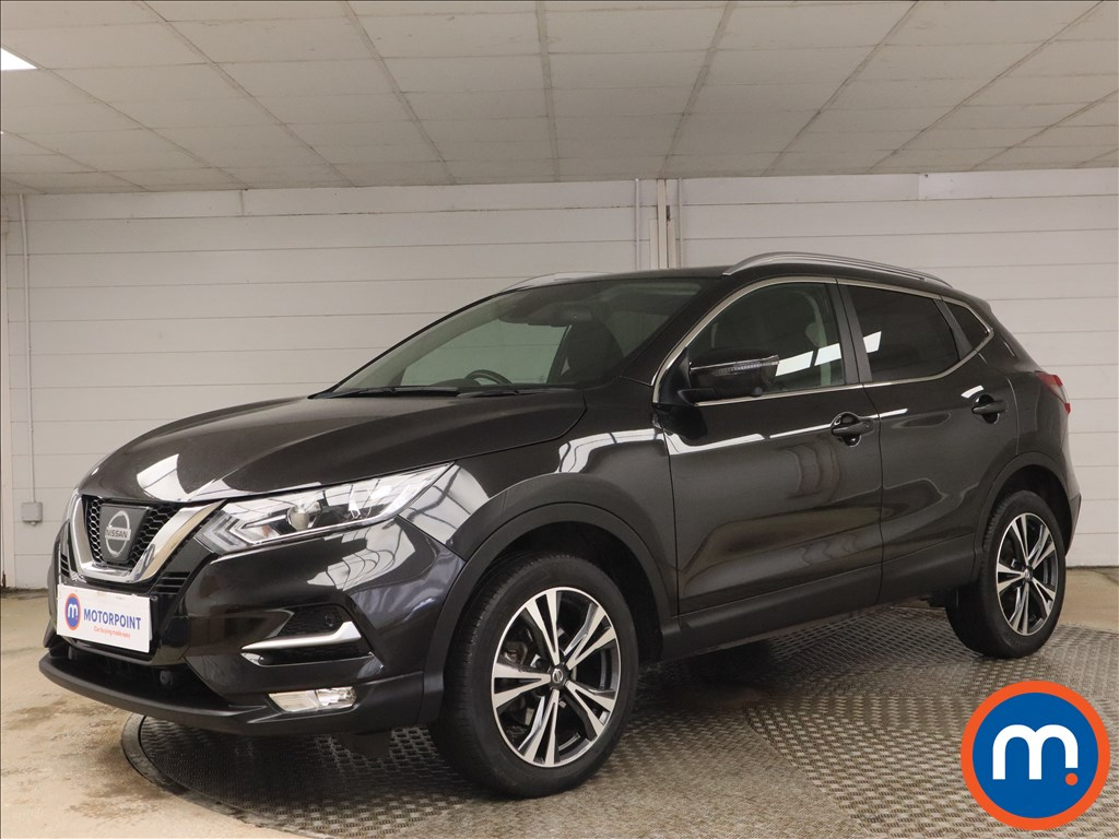 Nissan Qashqai 1.6 dCi N-Connecta [Glass Roof Pack] 5dr - Stock Number 1161119 Passenger side front corner