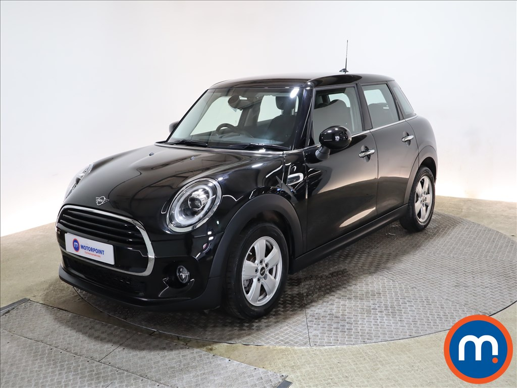 Mini Hatchback 1.5 Cooper Classic II 5dr Auto - Stock Number 1165695 Passenger side front corner