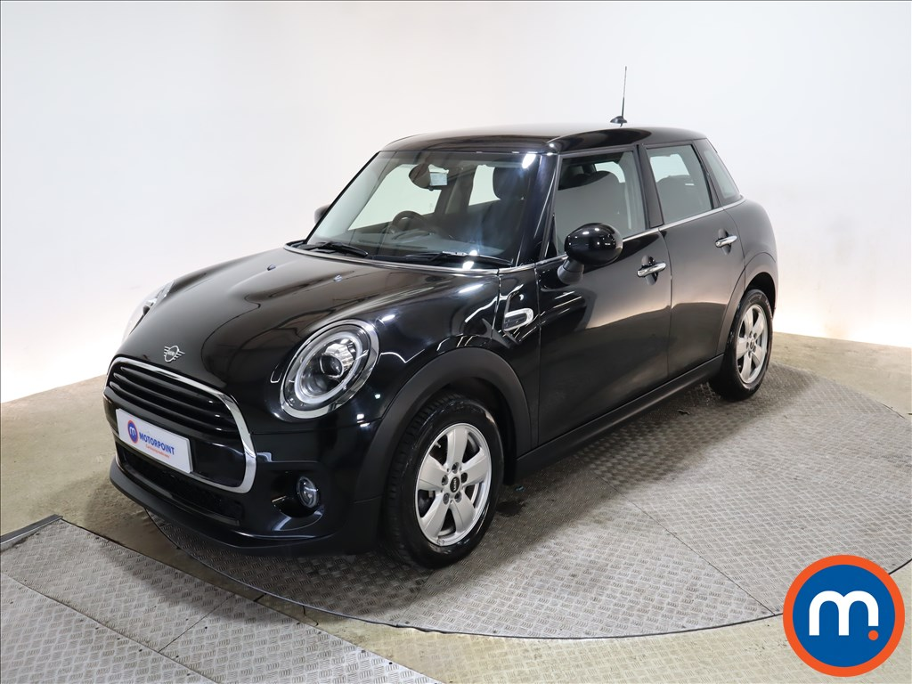Mini Hatchback 1.5 Cooper Classic II 5dr Auto - Stock Number 1167558 Passenger side front corner