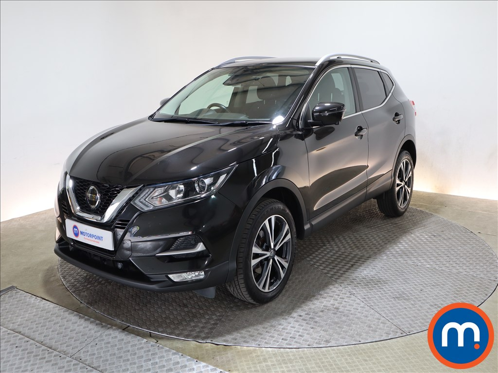 Nissan Qashqai 1.5 dCi N-Connecta [Glass Roof Pack] 5dr - Stock Number 1203110 Passenger side front corner