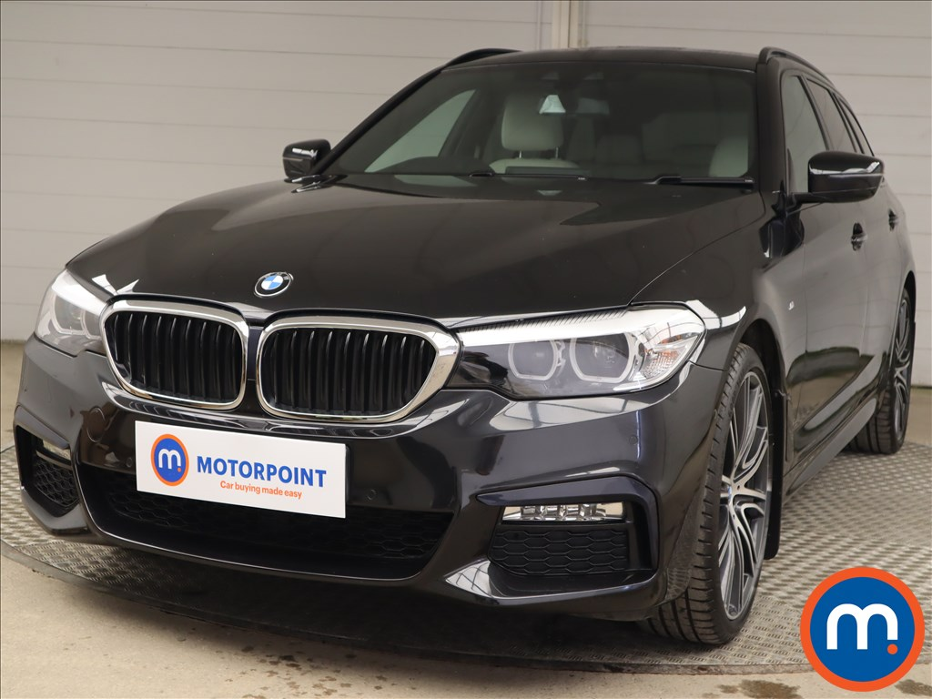 BMW 5 Series 530d xDrive M Sport 5dr Auto - Stock Number 1217523 Passenger side front corner