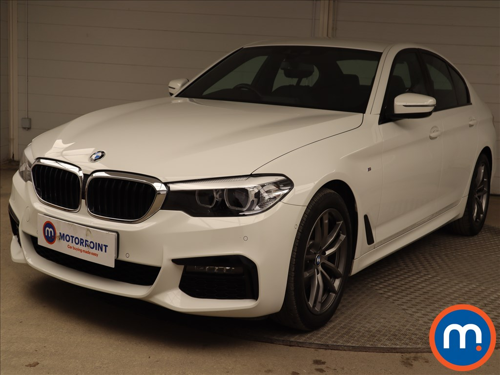 BMW 5 Series 520d xDrive M Sport 4dr Auto - Stock Number 1221897 Passenger side front corner