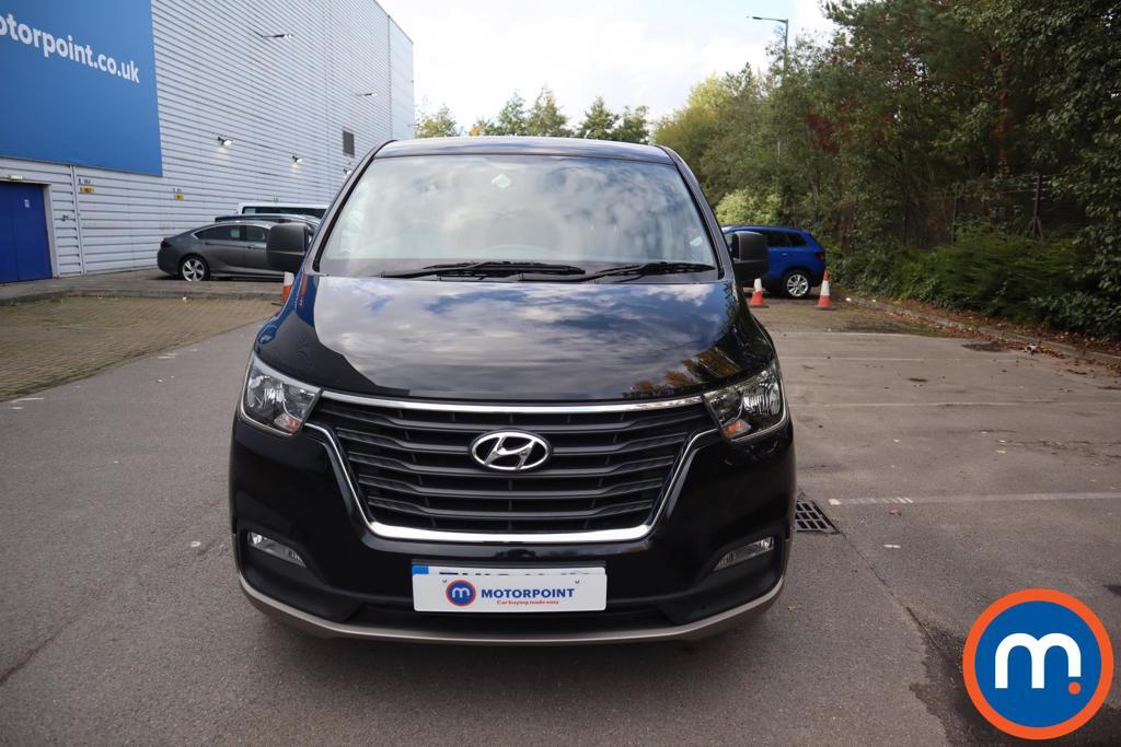 Hyundai I800 SE - Stock Number 1122658 Passenger side front corner