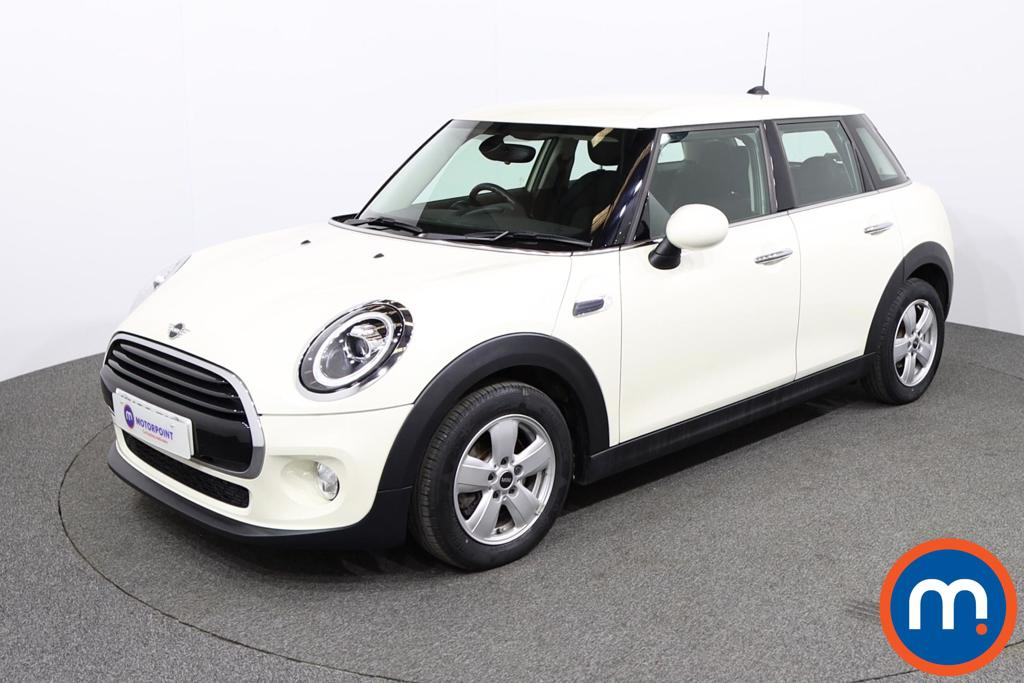 Mini Hatchback 1.5 Cooper II 5dr Auto - Stock Number 1140388 Passenger side front corner