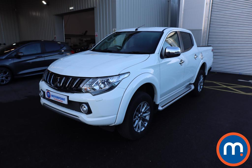 Mitsubishi L200 Double Cab DI-D 178 Barbarian 4WD - Stock Number 1142085 Passenger side front corner