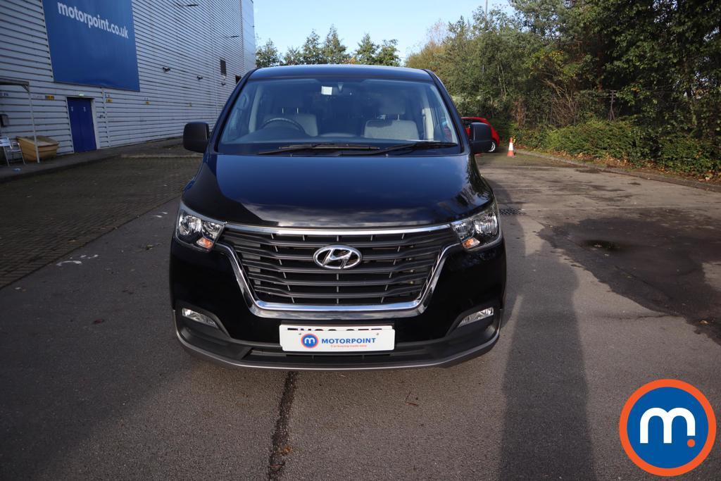 Hyundai I800 SE Nav - Stock Number 1147368 Passenger side front corner