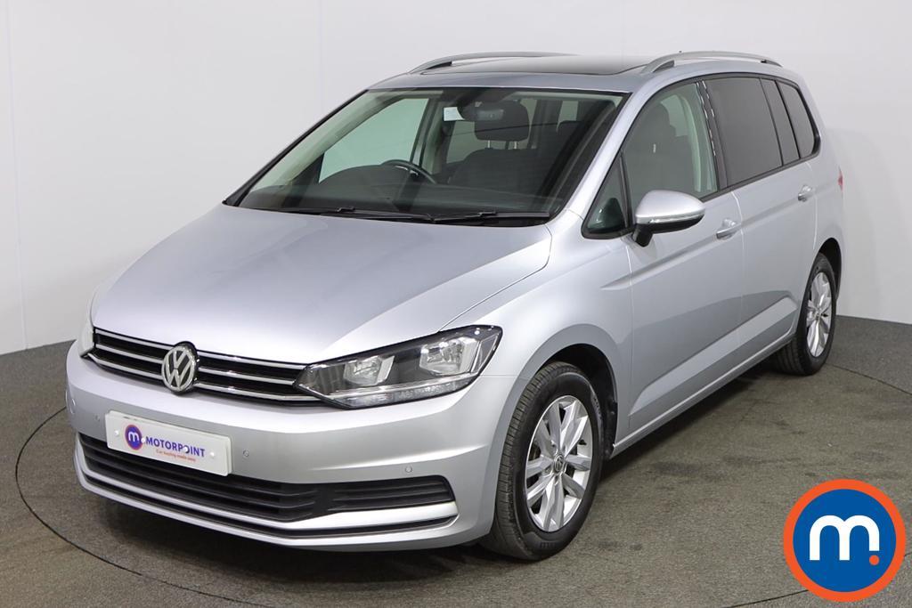 Volkswagen Touran SE Family - Stock Number 1148210 Passenger side front corner