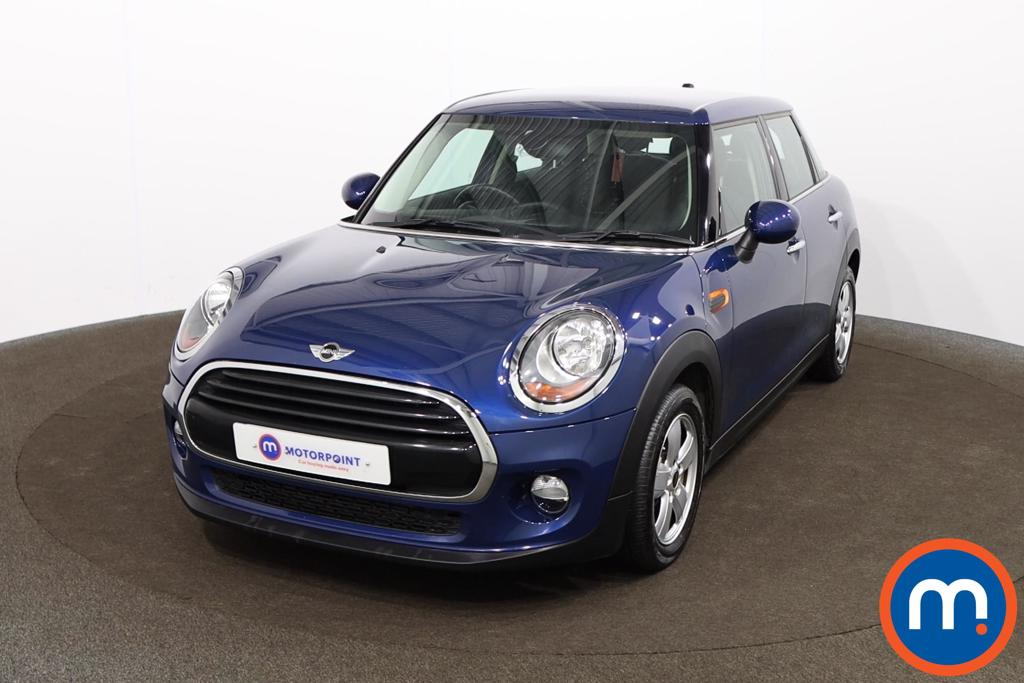 Mini Hatchback 1.5 Cooper 5dr - Stock Number 1155406 Passenger side front corner