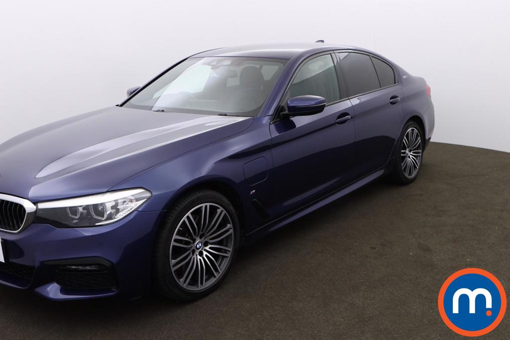 BMW 5 Series 530e M Sport 4dr Auto - Stock Number 1171320 Passenger side front corner